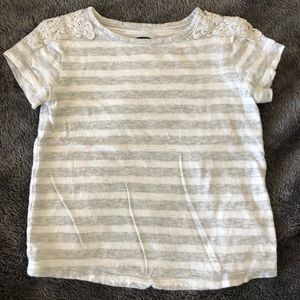Old Navy Short Sleeve Tee - Size 2T - Gray/White